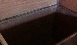 Caja de madera de tea en perfecto estado