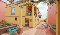 Amplia y muy acogedora casa con apartamento independiente incluido en Breña Baja