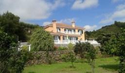 Casa majestuosa en el lado Este de la Isla,con amplio jardín y fantásticas vistas de Tenerife y La Gomera