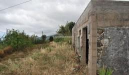 Terrero con casa en Botazo