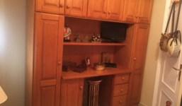 Se vende escritorio con armarios y altillo