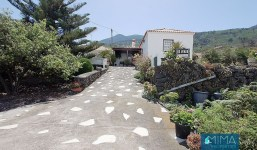 House in Tiguerorte in a land of more than 3000 m2