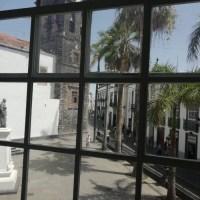 Piso totalmente amueblado en alquiler por corta temporada en el centro de S/c de La Palma y con vista a la Plaza de España
