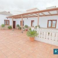 C026 Casa de campo grande, muy bien cuidada en Las Ledas, Breña Baja
