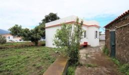 Casa de campo con gran terreno agrícola