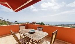 Piso con amplia terraza y licencia turística