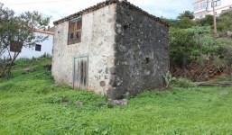 Terreno con casa antigua en Puntallana
