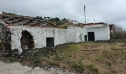 Solar con 4 pajeros para reformar en Villa de Mazo