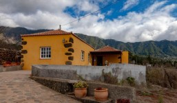 Casa en bonito paraje natural