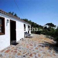 Casa canaria con jardín y licencia turística