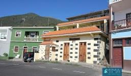 Casa dividida en 2 apartamentos y un local en Tigalate, Villa de Mazo
