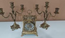 Juego candelabros y reloj