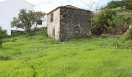 Terreno con casa antigua y proyecto de obra nueva