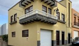 Gran casa residencial y comercial en el centro de Los Sauces