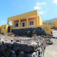 Casa con vistas y terreno en Jedey