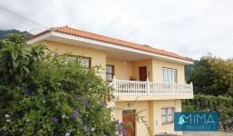 ¡INVERSIÓN! Casa con apartamento y amplia zona de aparcamiento en Velhoco, Santa Cruz de La Palma