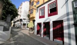 Casa histórica cerca de la Plaza Alameda en el casco antiguo de Santa Cruz