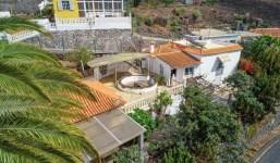 Propiedad con 3 viviendas ideal para turismo rural