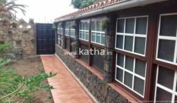 Casa típica canaria con huerto ecológico