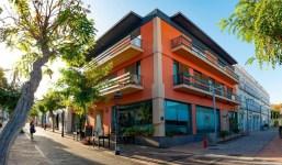 Edificio completo situado en la Calle Real de Los Llanos