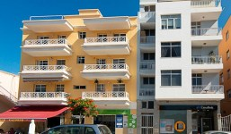 Amplia vivienda en la Avenida Enrique Mederos