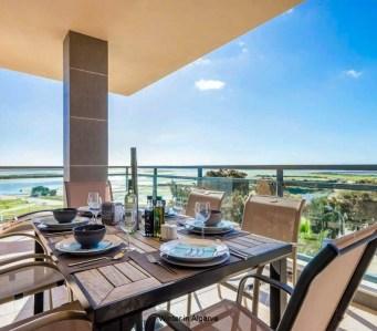 VILLAGE MARINA OLHAO: luxury 3 bedroom corner apartment