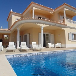 Luxurious villa in Sesmarias/Albufeira