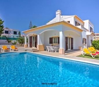 Villa Miraflores in Forte São João, Albufeira with 3 en-suit bedrooms, 3 minutes walking from beach, private pool