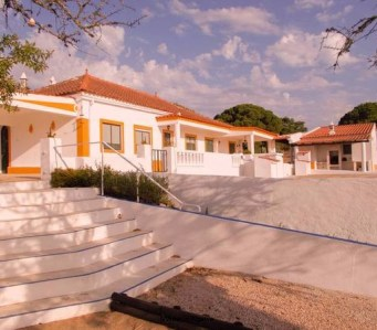 CHARMING AND QUIET RUSTIC COUNTRY HOUSE – LAGOA