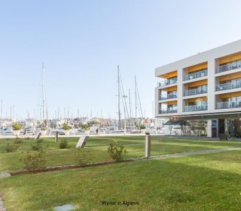 "2 BEDROOM LUXURY MARINA APARTMENT, ""Starboard Side"""