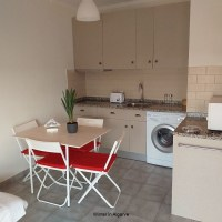 1 Bedroom flat to rent all year in central Quarteira