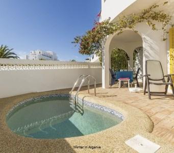 Casa Túlipa, 3 bedroom villa with pool, by the beach in Luz.