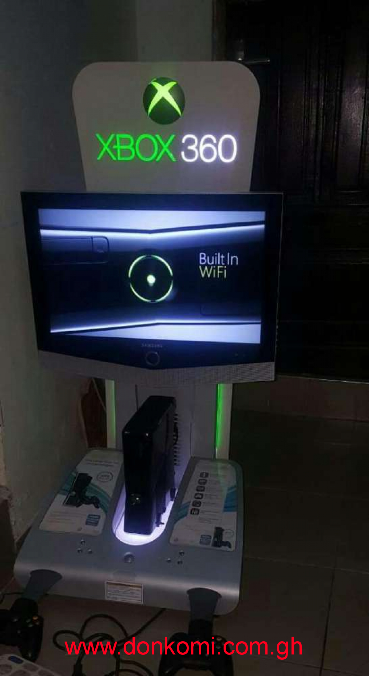 Xbox 360 Kinect and station for sale