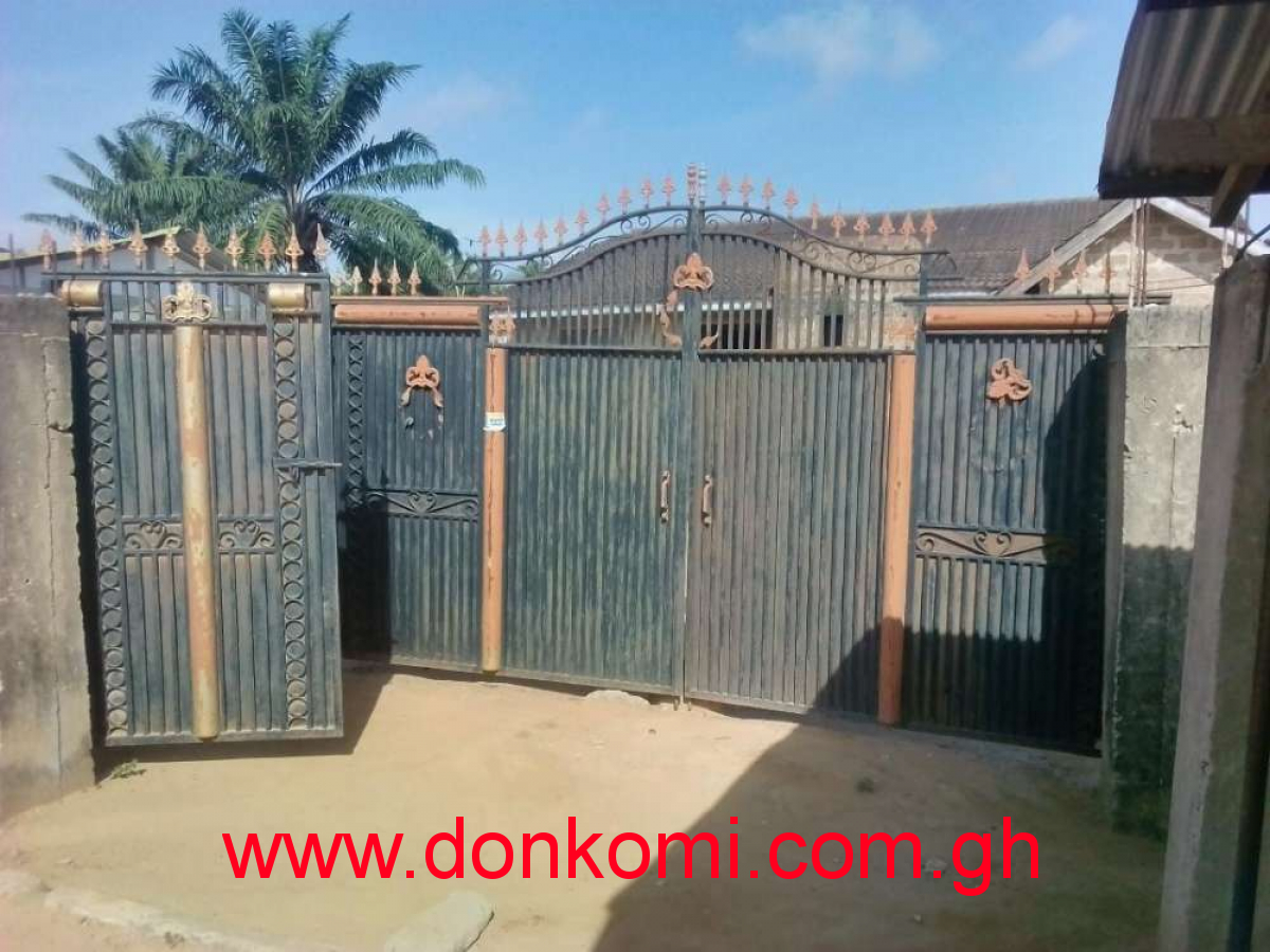 Gated House 5 Beds For Sale