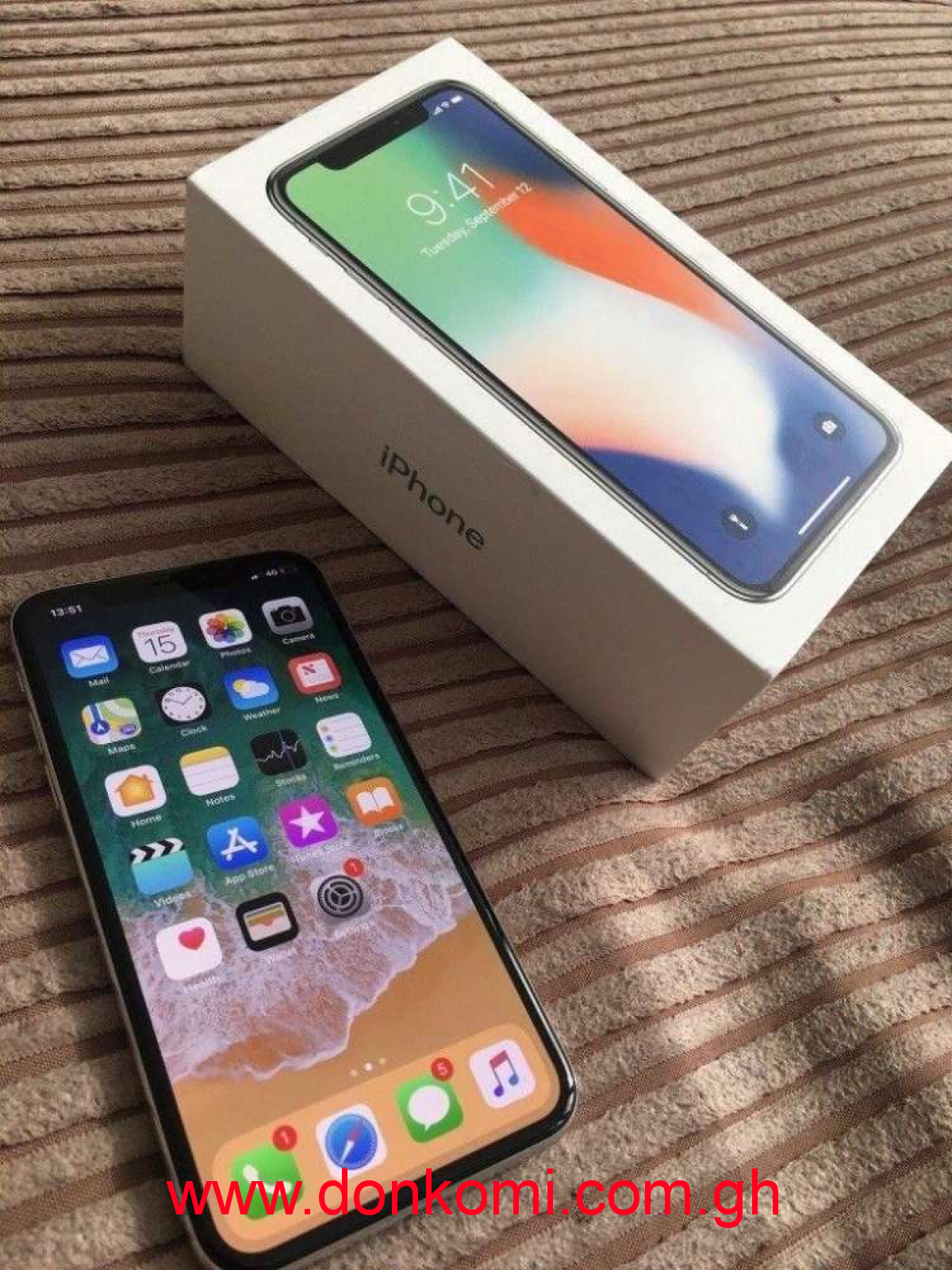 iPhone X 256GB is used for two weeks but very neat
