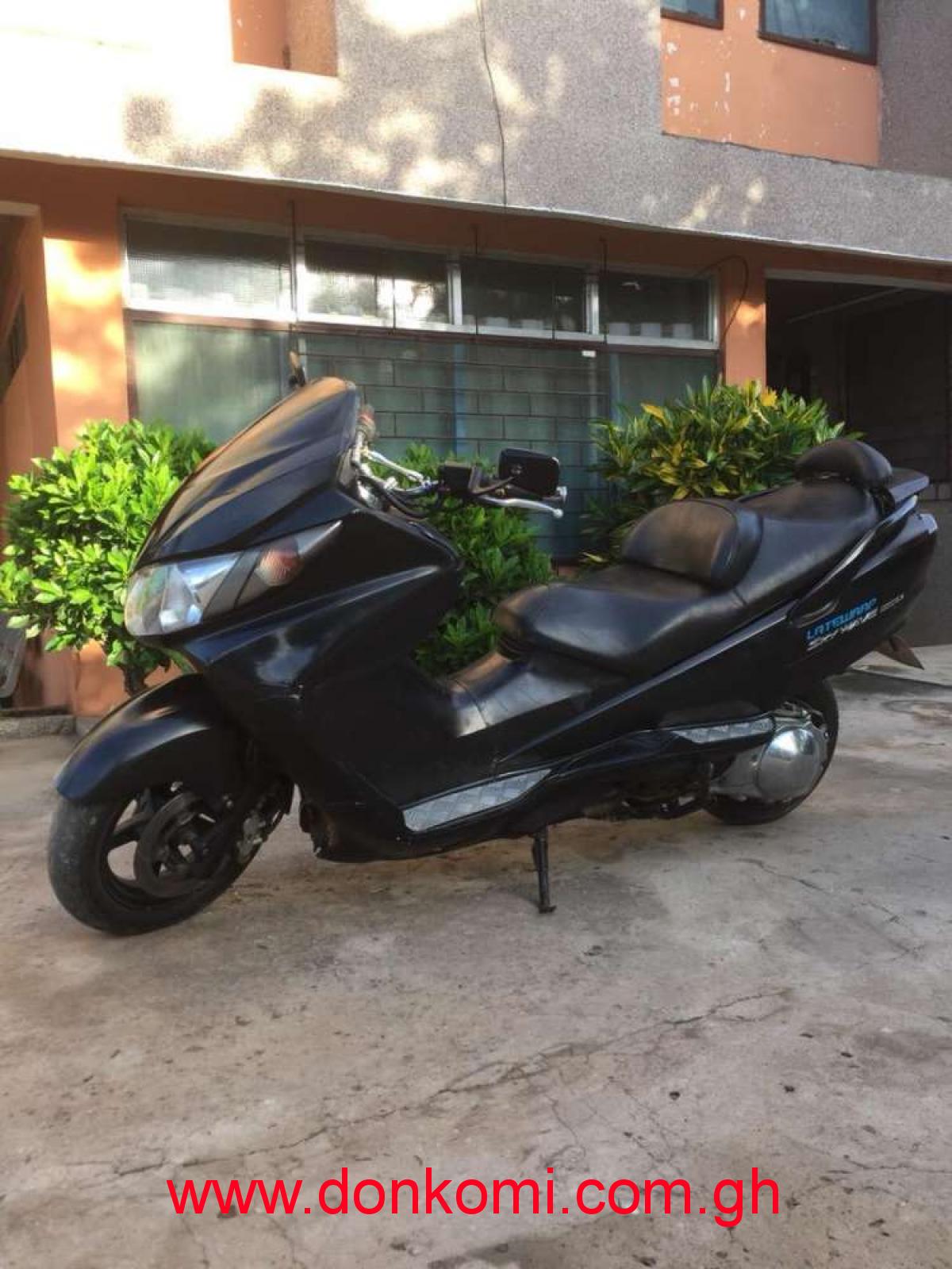 Suzuki Motorbike/ sky wave type S