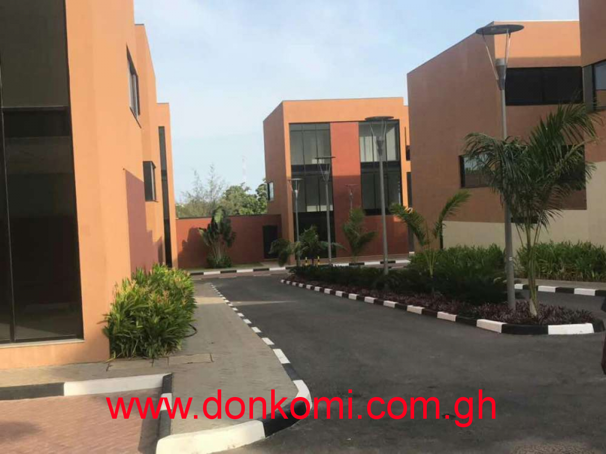 4 bedroom executive Townhouse for rent at Cantonments