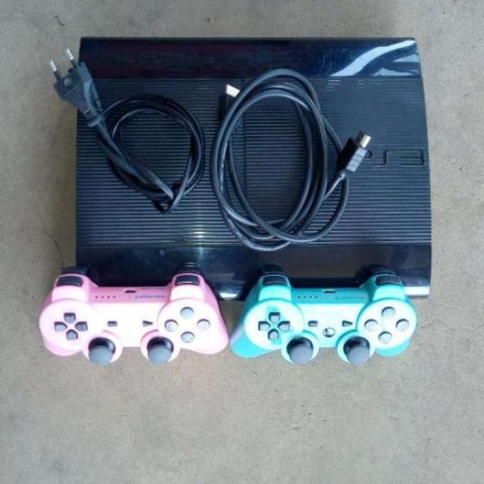 Superslim Ps3+12 latest games 2pds
