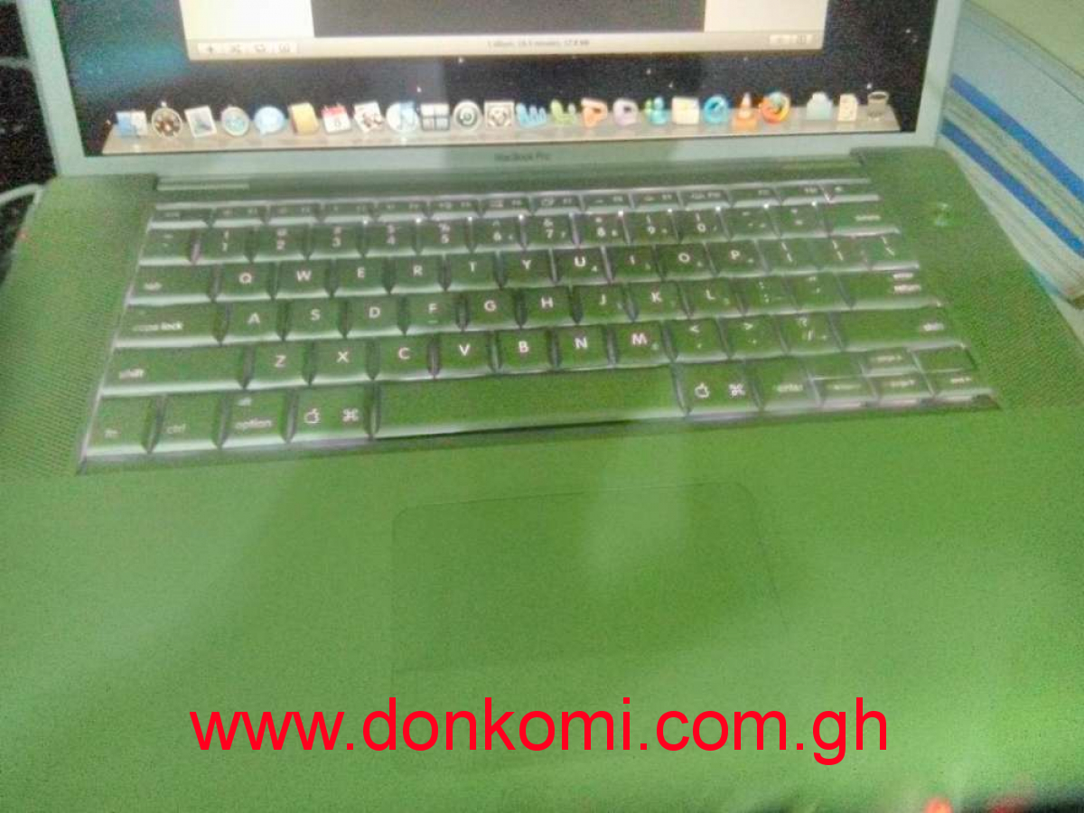 New MacBook Pro 15 inches Intel dual core 500gb 3gb ram for ghc1290