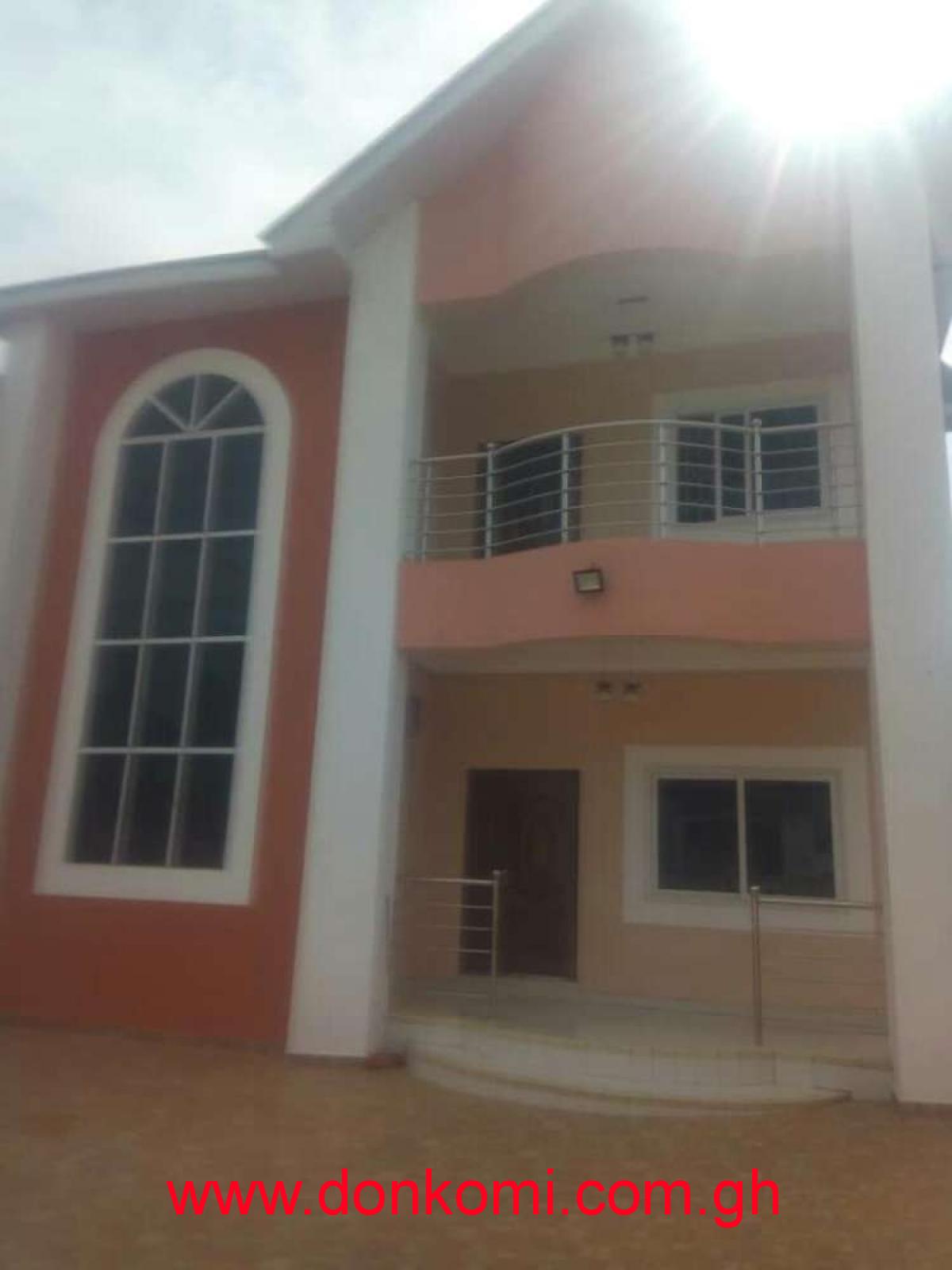 EXECUTIVE 4b house east legon