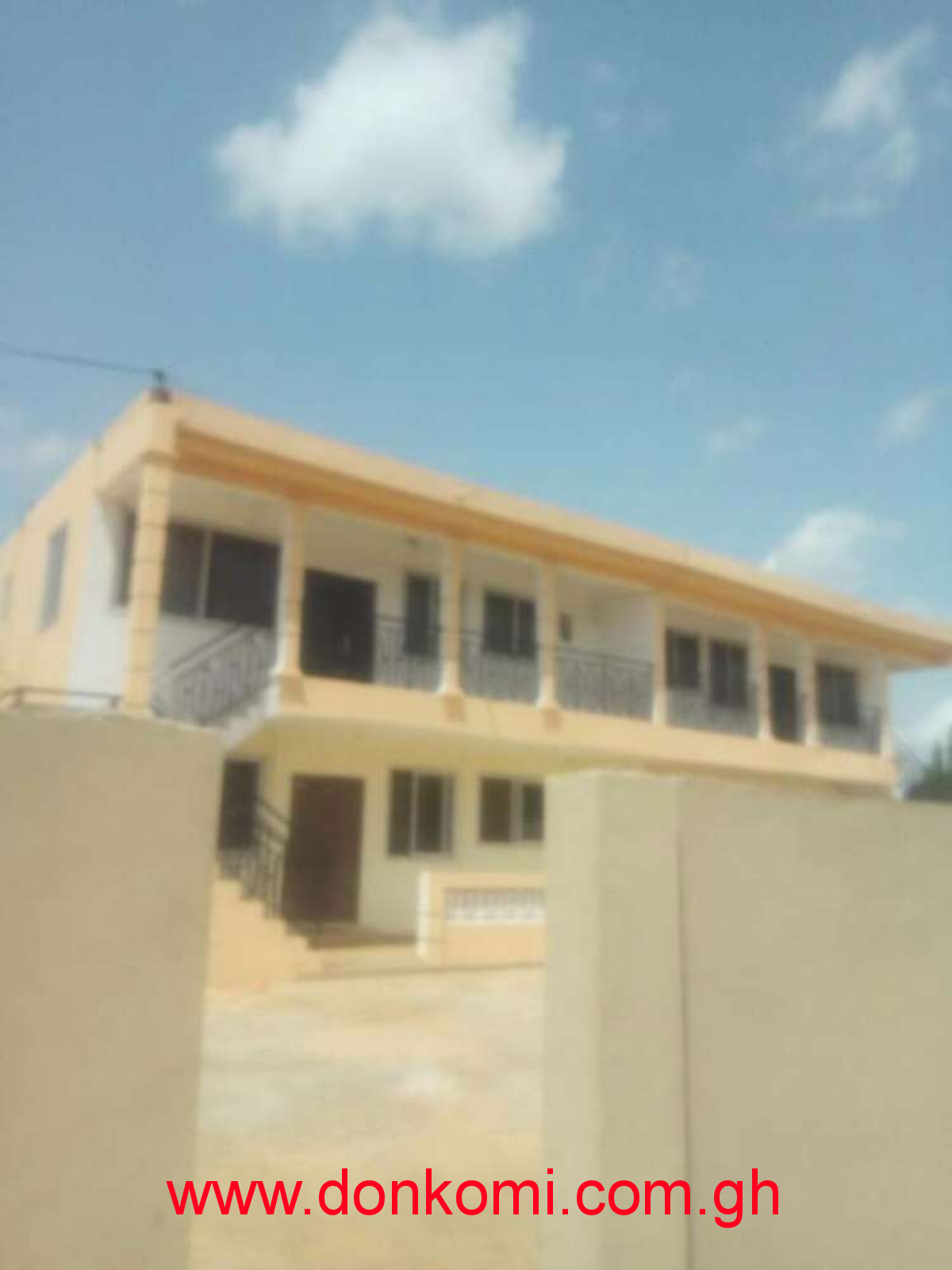 Executive 2 bedroom to let at Haatso