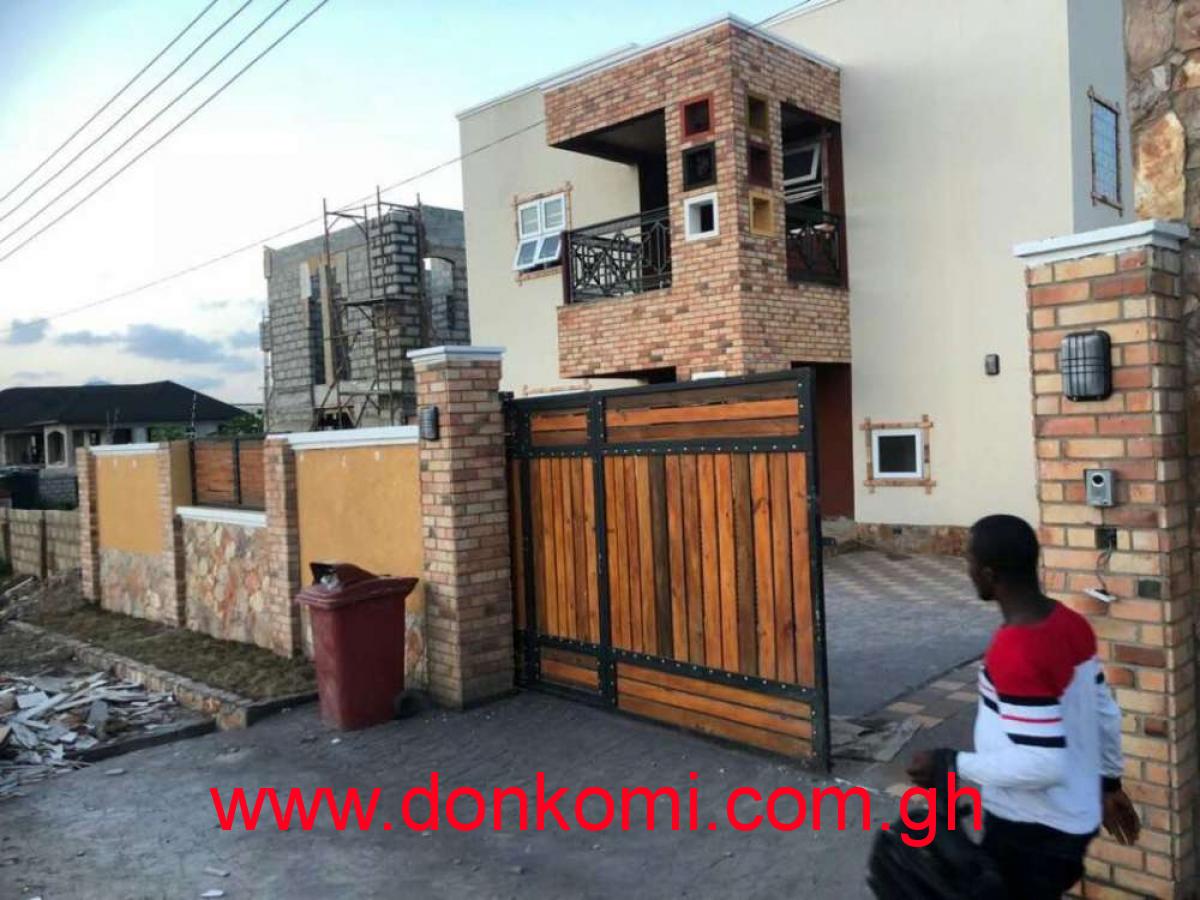 4 bedroom houses for sale @trasaco villa 380,000$.