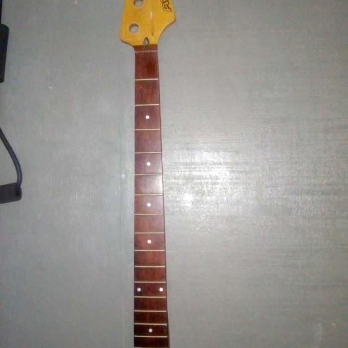 4 string bass neck
