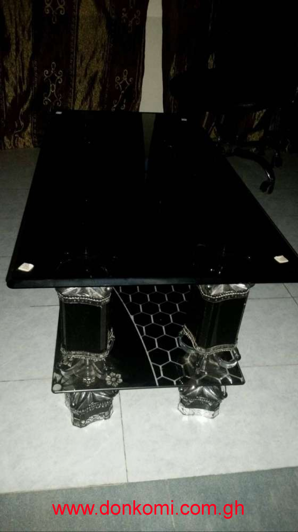 Neat Glass Centre Table