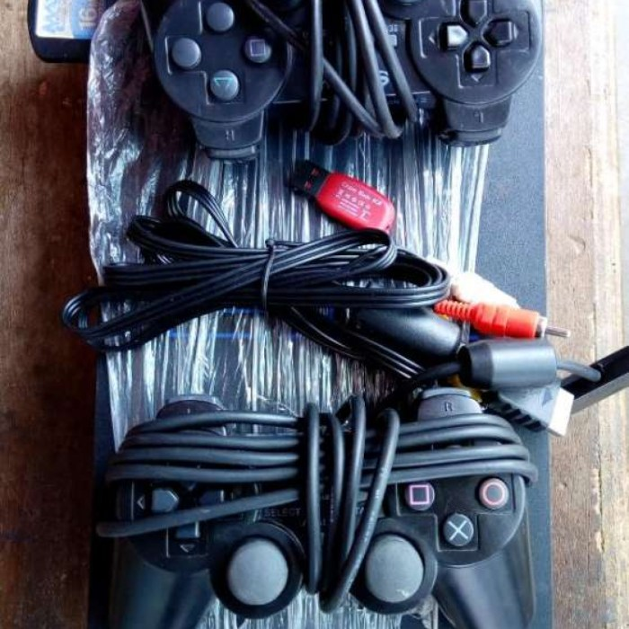 Ps2 fully loaded+10games 2pds