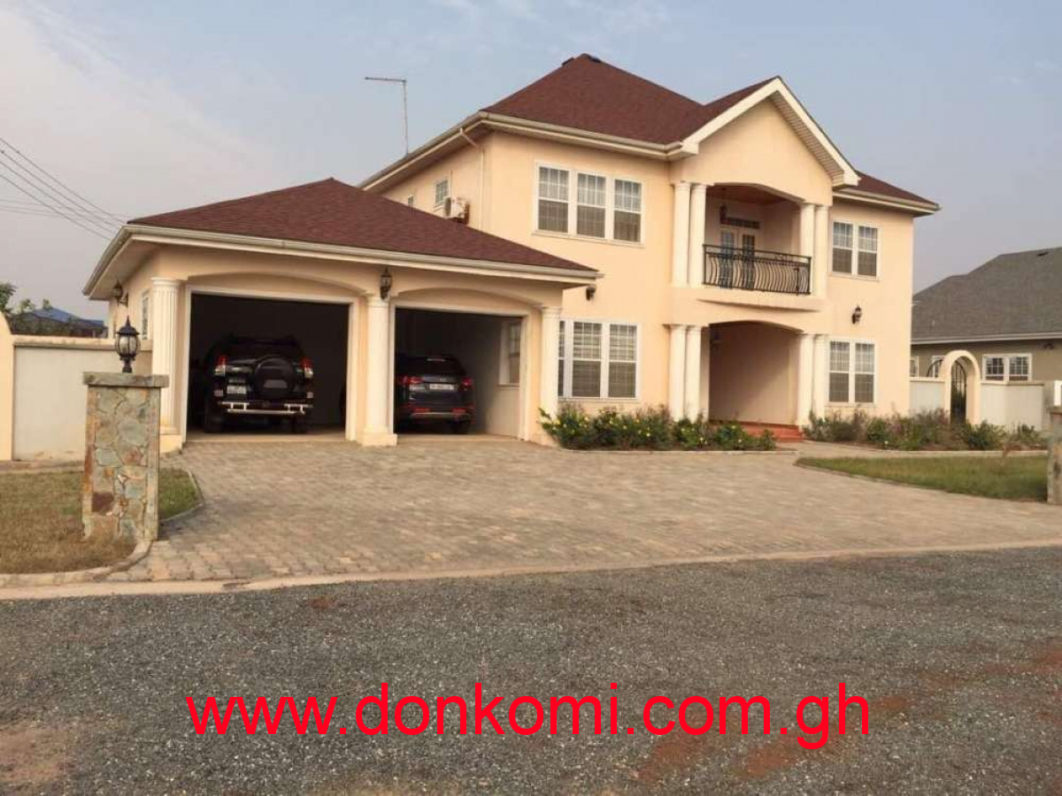 Finished 8 bedrooms house for rent @ Tema comm 25