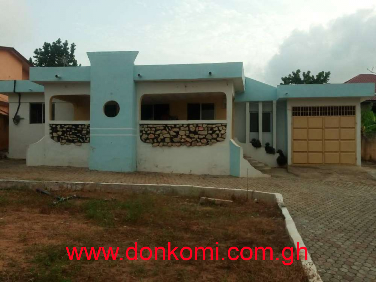 1yr 5bedroom sc House/rent at awoshie market