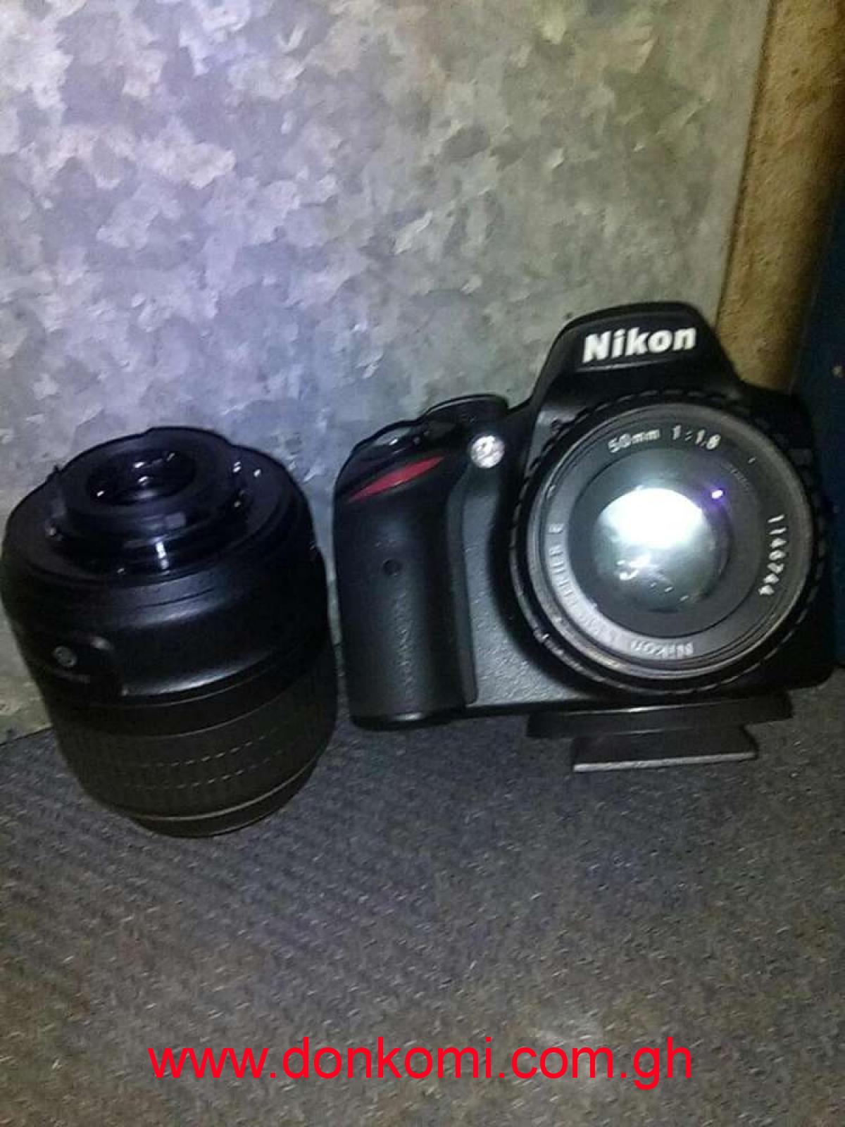 Nikon DX 3200