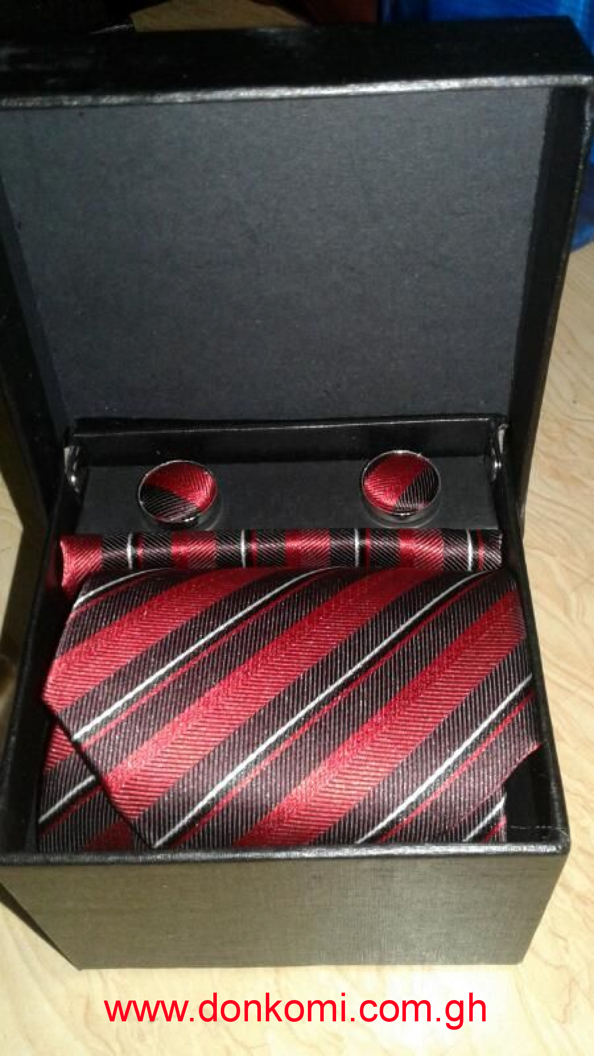 4 In 1 Men Tie Set