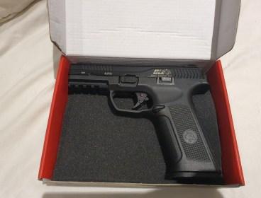 ICS Alpha gas pistol